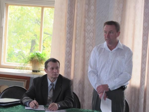 Директор кн николай колпащиков и председатель спк имени кирова борис ожегин
