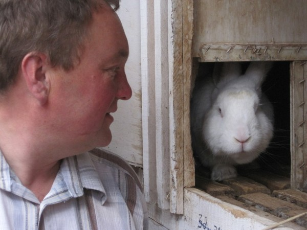 Алексей саламатов и его кролики