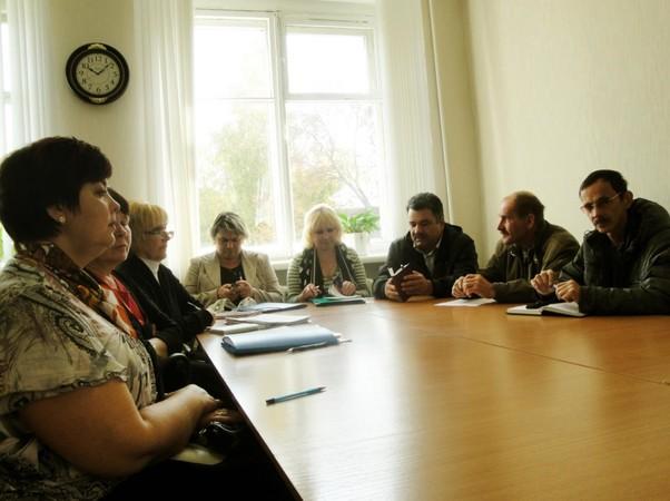 Нема: консультируются главы сельских поселений