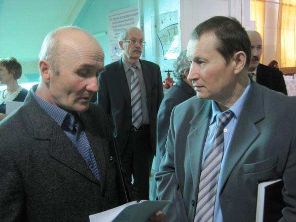 Зав уржумским филиалом в.с.соловьев и директор кн н.и.колпащиков