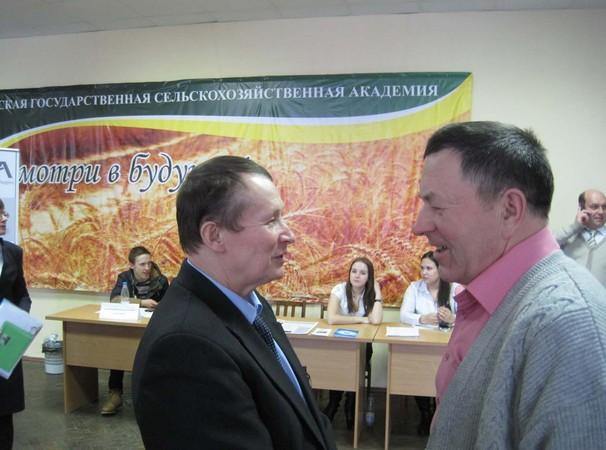 Перед заседанием совета н.и.колпащиков и в.н.одинцов