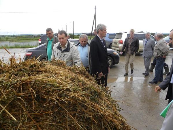 По полям и фермам вместе с депутатами